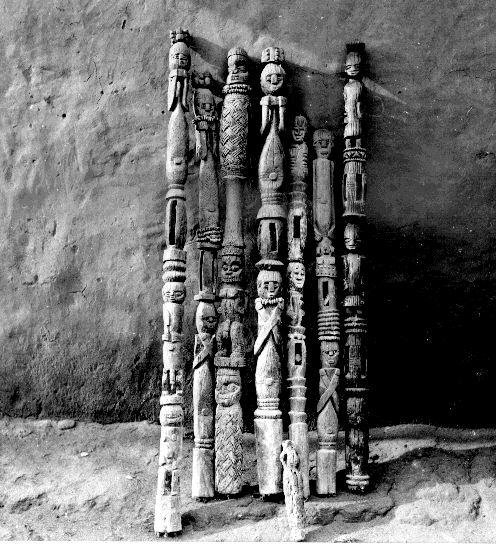 Uxurhe Ancestral Staffs